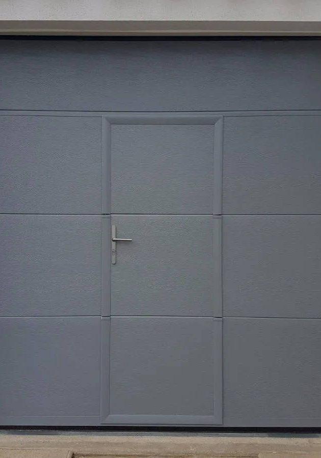 installation de porte de garage soignée à Carcassonne